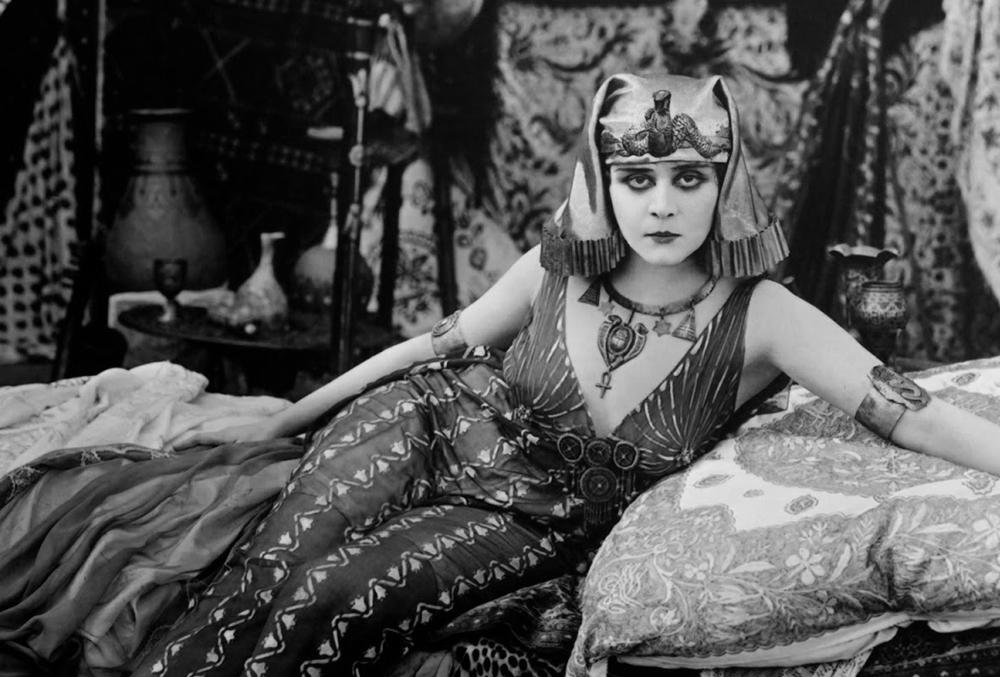 Scena tratta da Cleopatra