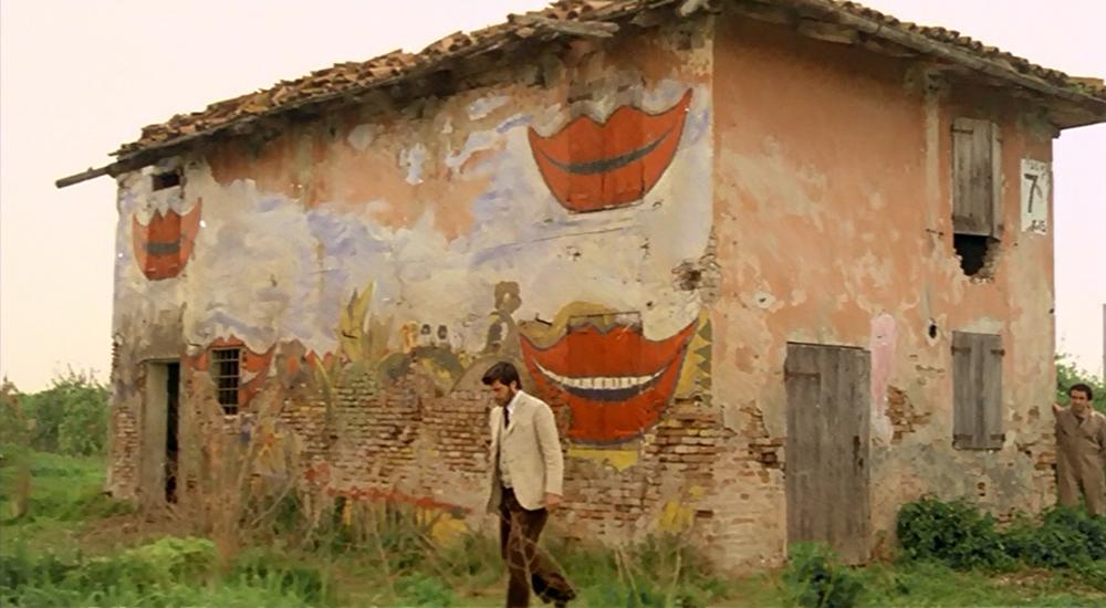 Scena tratta da La Casa dalle Finestre che Ridono