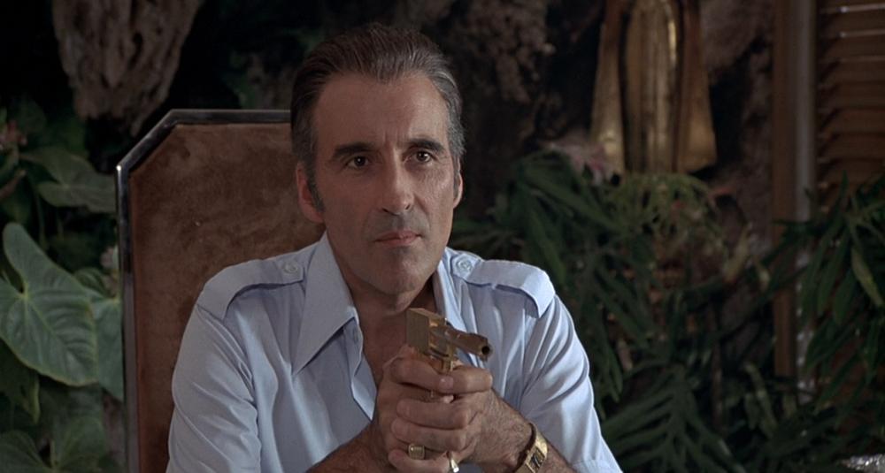 Scena tratta da Agente 007 - L'Uomo dalla Pistola d'Oro